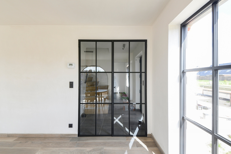 Glazen deur met steel-look