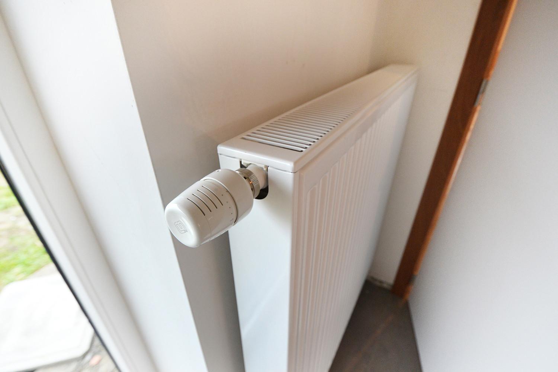 Deze radiator met thermostatische kraan is inbegrepen in het All-Bouw lastenboek