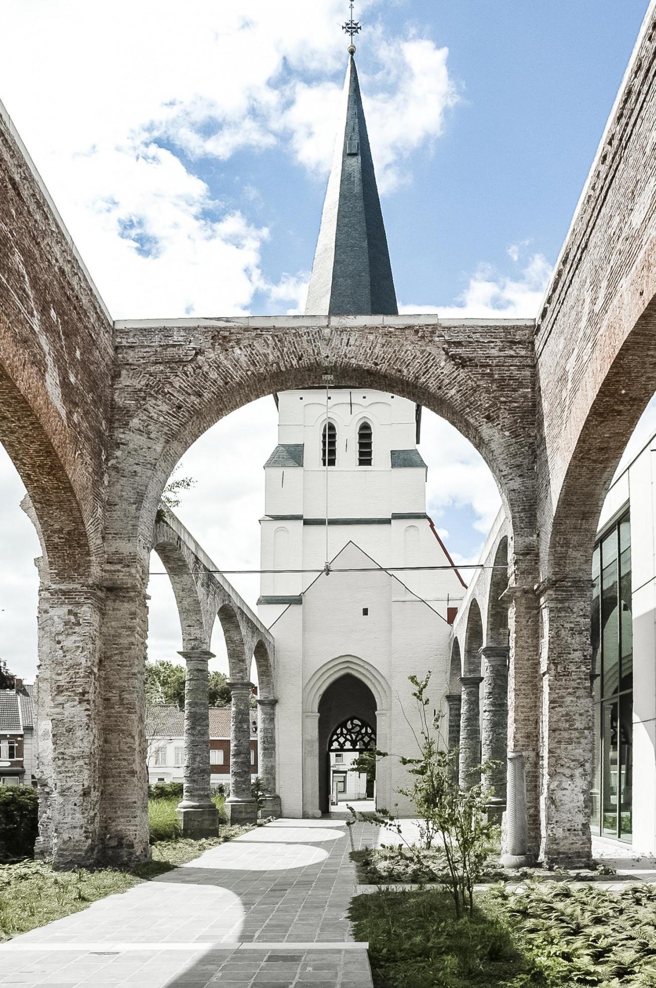 Kerk_Waarschoot_4.jpg