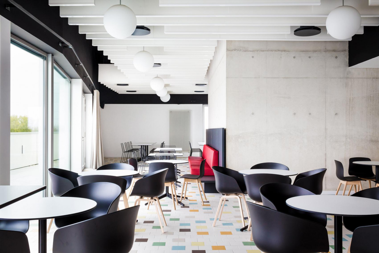 Cosy meeting room