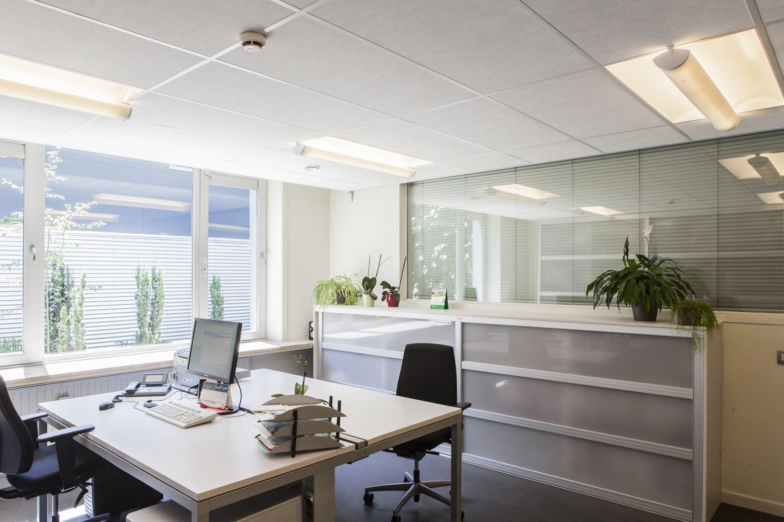 Drukkerij Buromac_Brugge_kantoren_productieruimte_stockageruimte (8).jpg