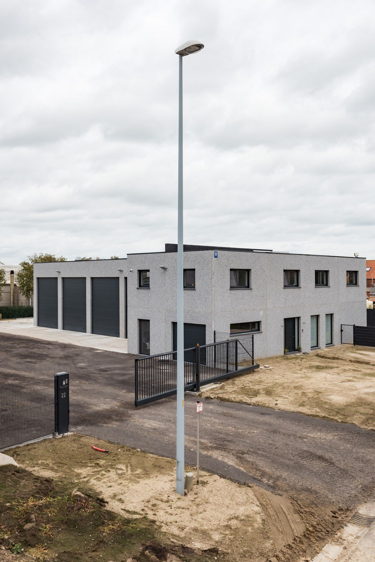 Beeuwsaert_industriegebouw_woning (1).jpg