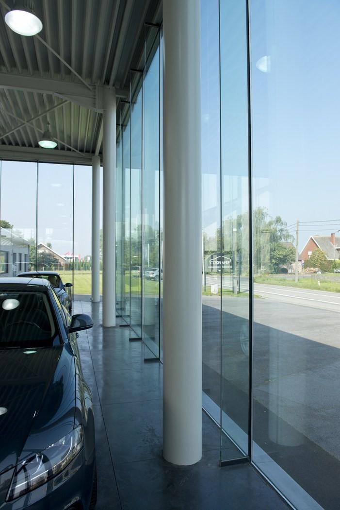 Garage Cokelaere_Oostrozebeke_toonzaal_werkplaats (13).JPG