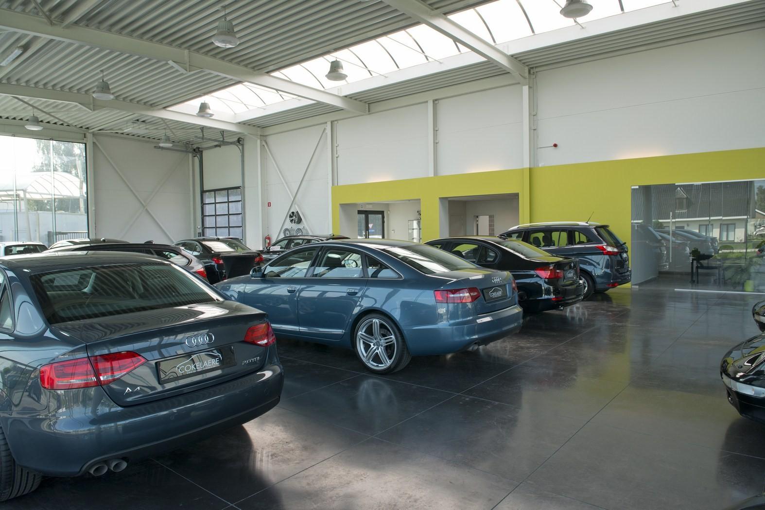 Garage Cokelaere_Oostrozebeke_toonzaal_werkplaats (14).JPG