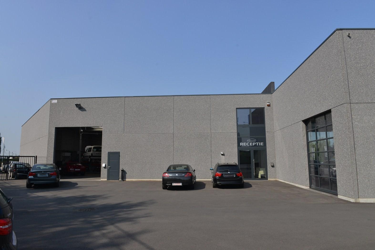 Garage Cokelaere_Oostrozebeke_toonzaal_werkplaats (25).JPG