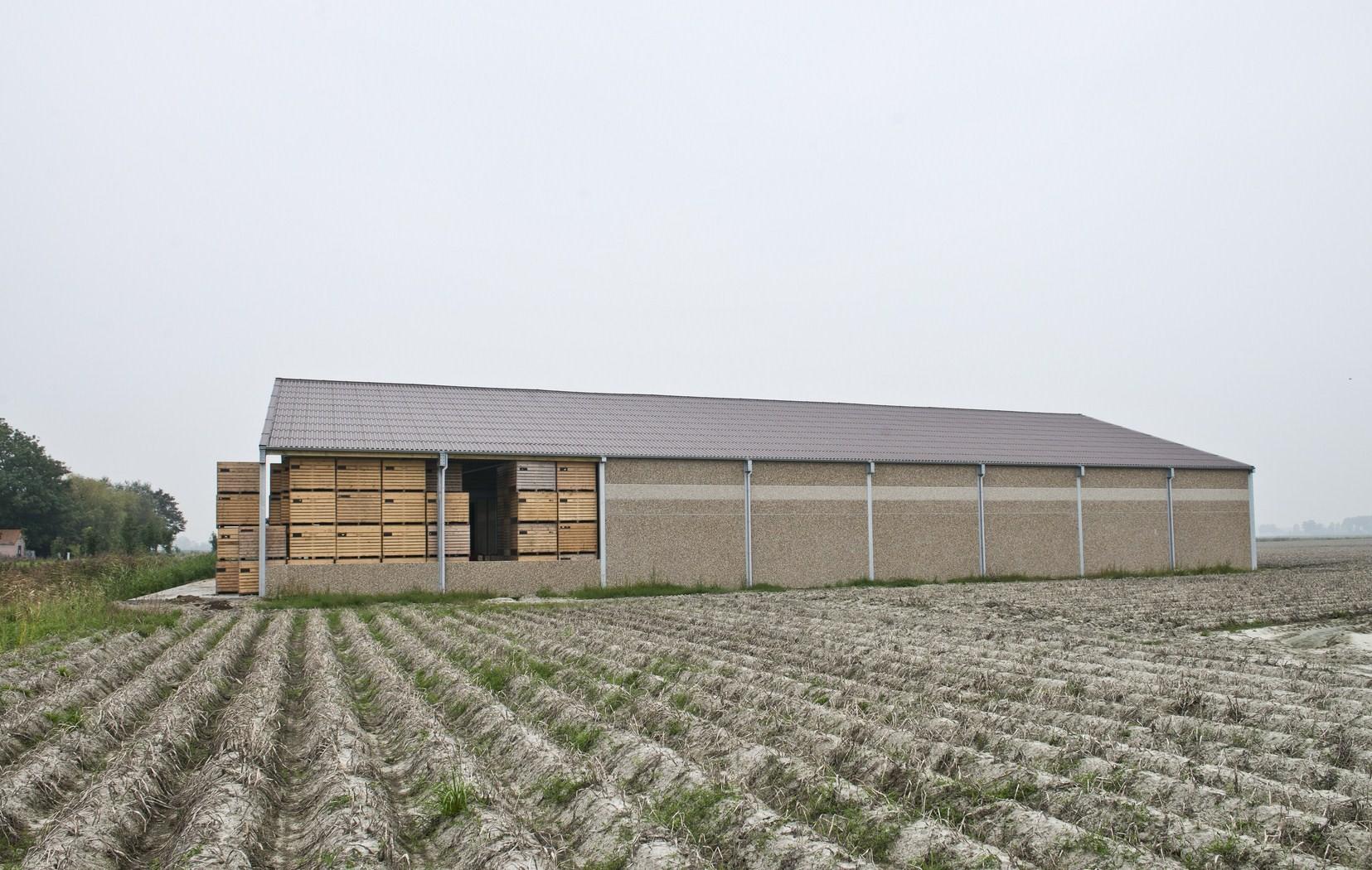 Pattou Didier_opslagloods_aardappelloods_opslagloods met kisten_De Moeren (4).JPG