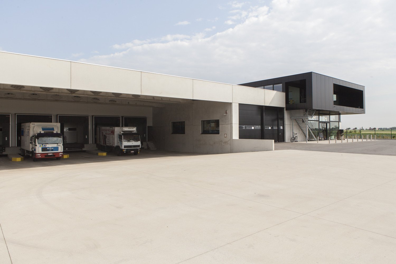 Horeca services Nevejan- distributiecentrum-industriebouw (11).jpg