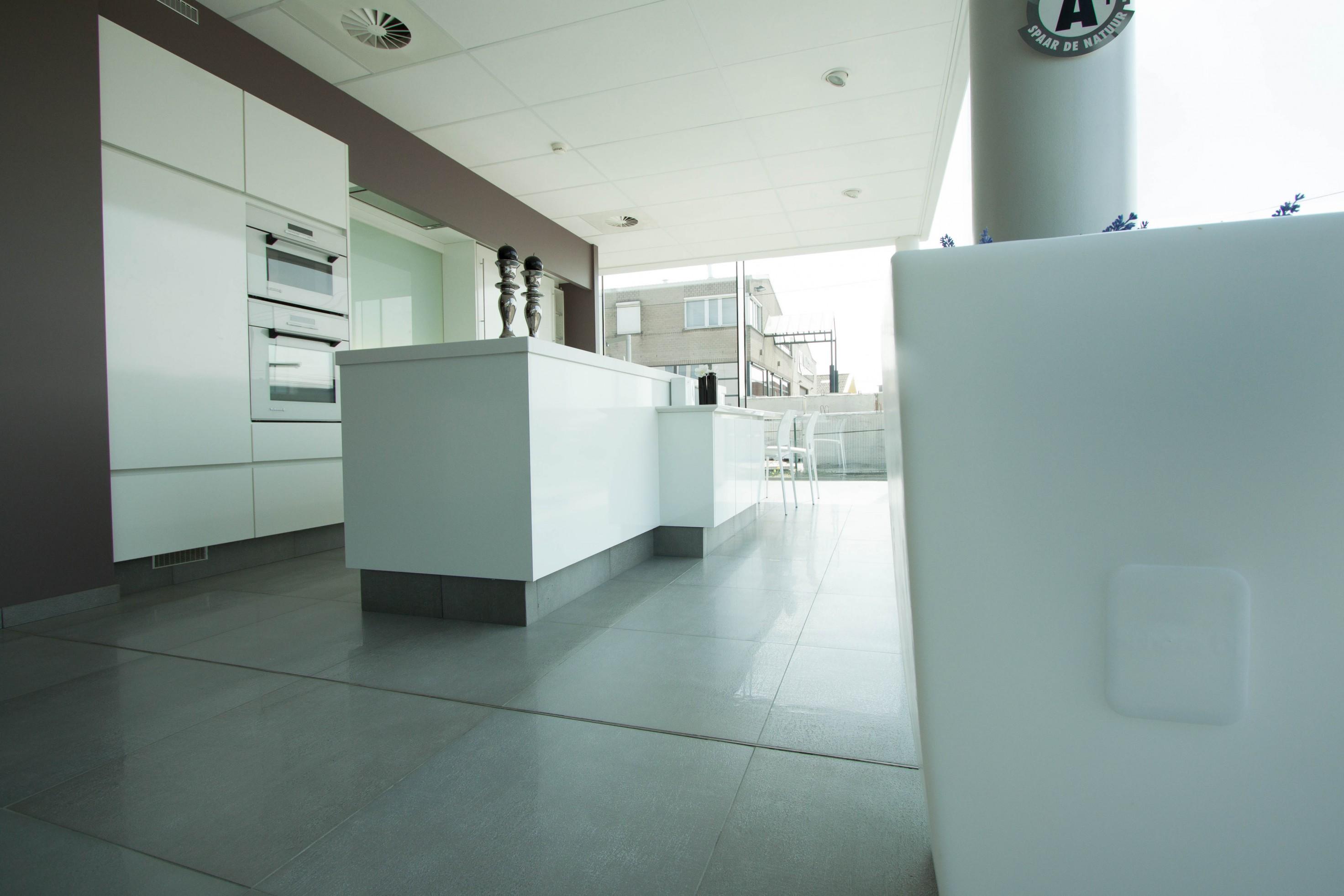 Keukens Vervan_Ledegem_toonzaal_burelen_atelier (34).jpg