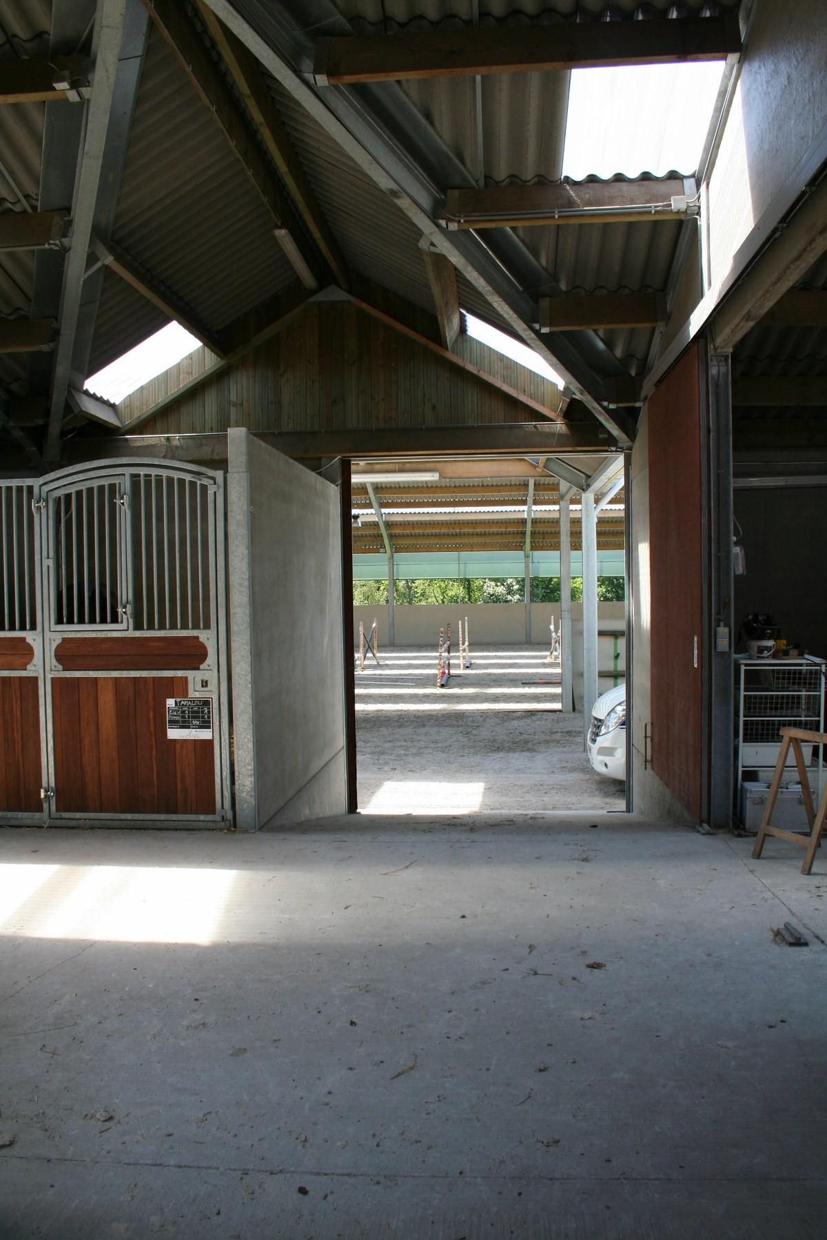 saint hermelle_paardenstallen_paardenboxen_binnenpiste_gouy les Pieton (16).jpg
