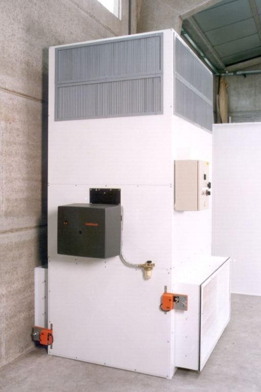 Heating unit that inhales outside air when an open spray booth is working