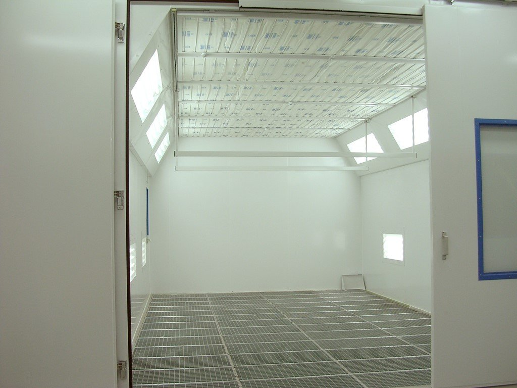 Paint finishing machine: Paint spray booth with vertical ventilation