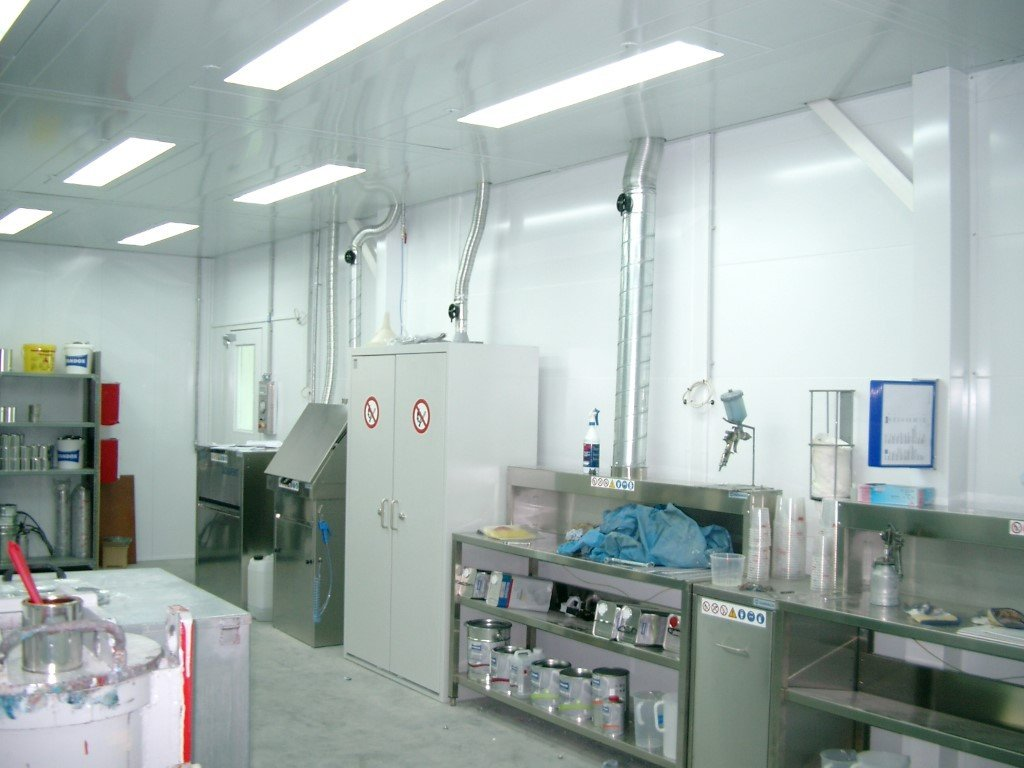 Paint laboratory made-to-measure