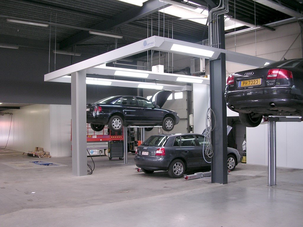Light and energy supply beams for auto body shops
