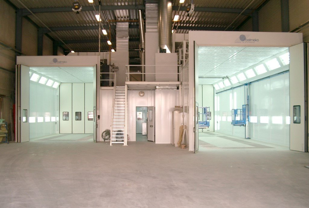 Two spray and dry booths for trucks