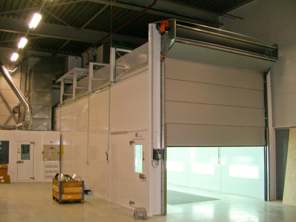 Commercial spraybooth for big-sized vehicles