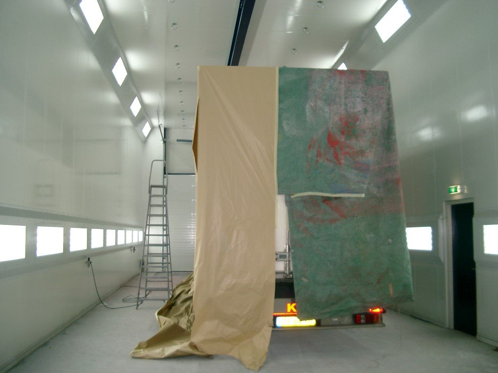Truck spraybooth with energy savings