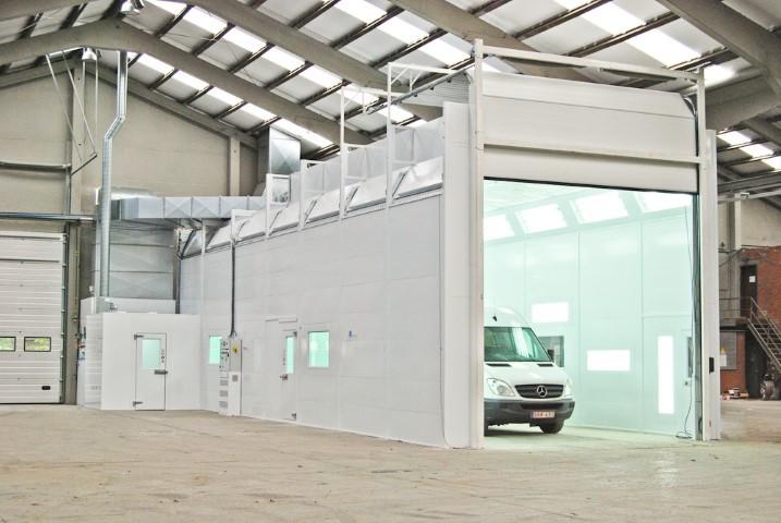 Verfspuitcabine voor vrachtwagens en kipwagens