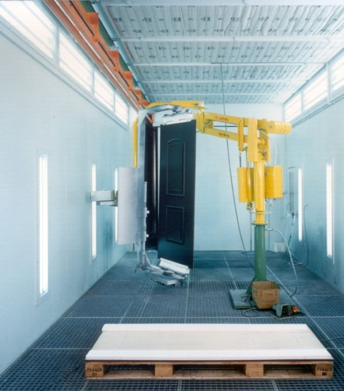 Robot to manipulate wooden doors