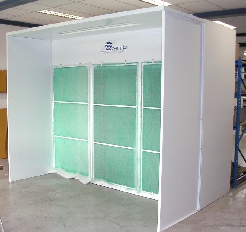 Open front booth of 1m depth with fiberglass filter
