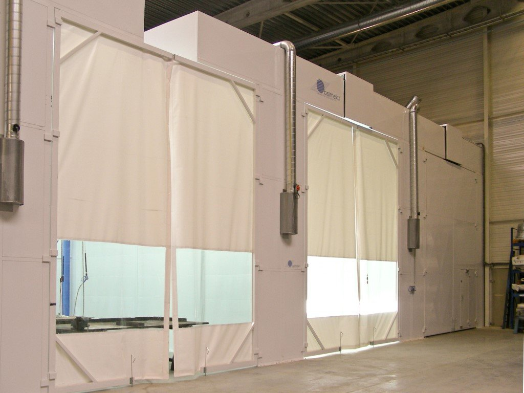 Shot blasting booth, degreasing booth and spray booth: all with a groove