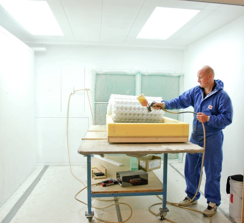 Ventilation for gluing of mattresses