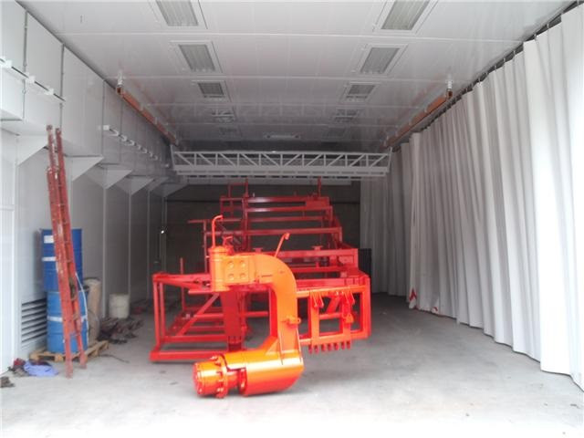 Washing booth for agricultural vehicles