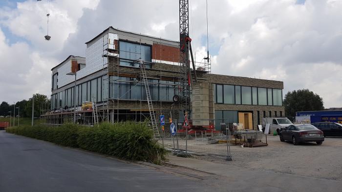 Bouw van nieuw kantoor in Beneluxpark gaat razendsnel vooruit