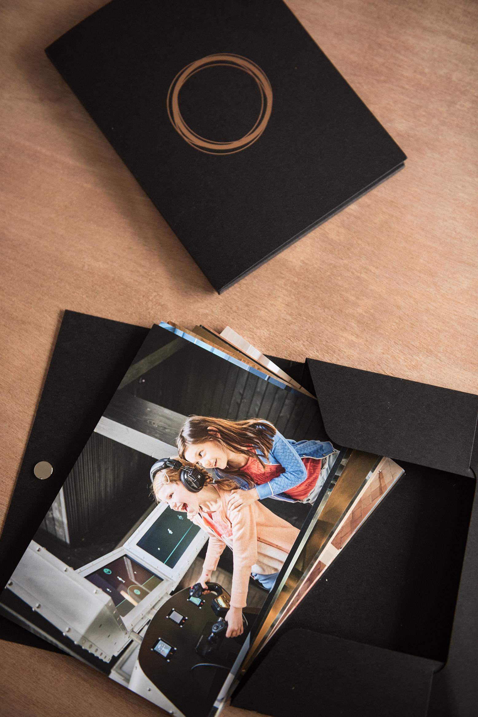Dit doosje met fiches maakten we als alternatief voor een gewone brochure.