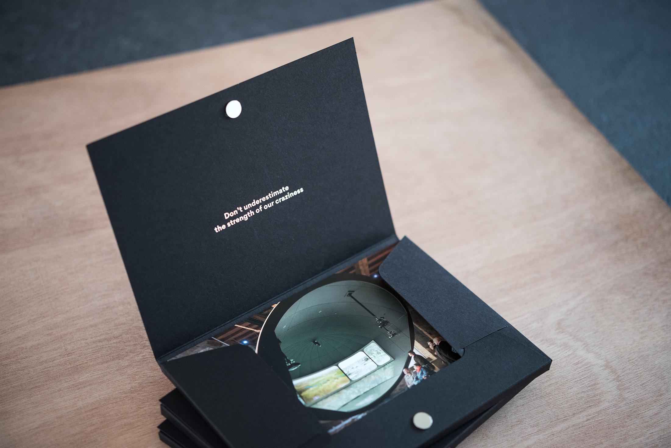 Op zoek naar een alternatief voor een brochure? Voor Ocular ontwikkelden we dit stijlvolle doosje met fiches.