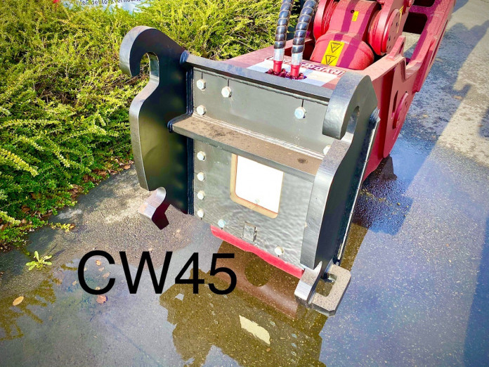 1415 - Vaste vergruizer 25-35 ton HFP-28V CW45 3.jpg