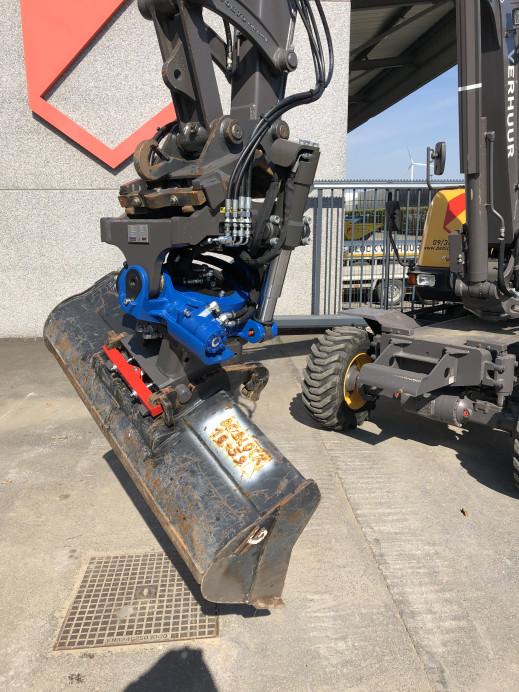 1458 - Rototilt minigravers 6 - 8 ton CW10.jpg