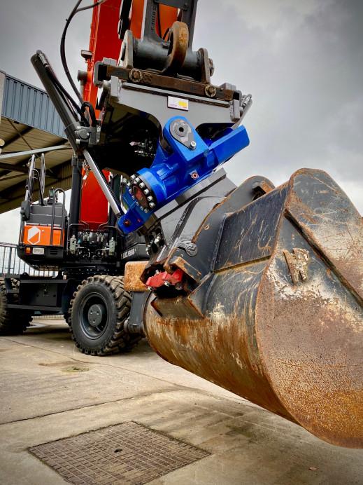 1462 - Tiltrotator 18-30 ton CW40 1.jpg