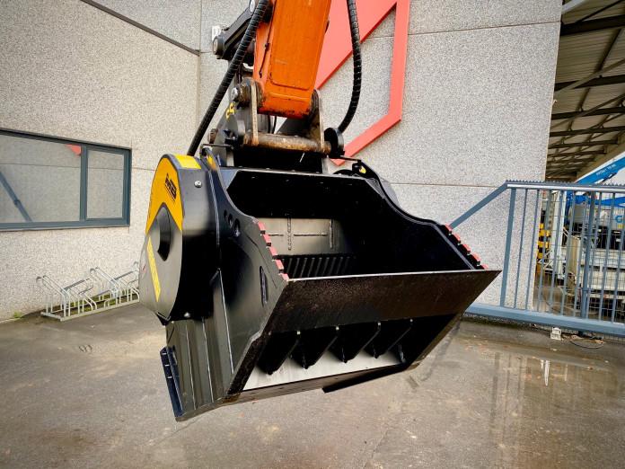 1496 - Hydraulische breekbak 20-30 ton MB80.3s4 cw40 4.jpg