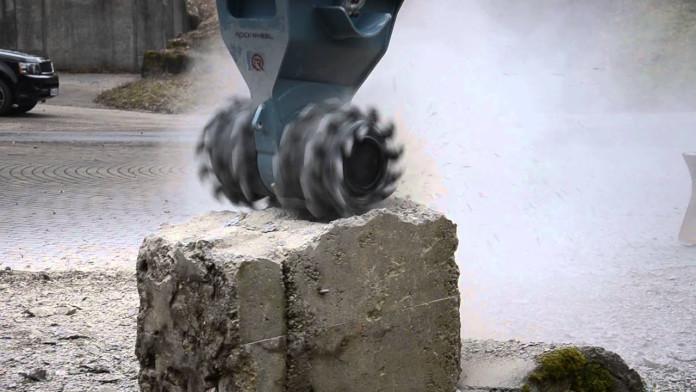 Demolitionfrees kranen 13-21 ton CW30 Rockwheel D15 3.jpg
