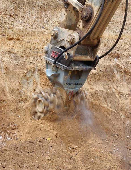 Demolitionfrees kranen 13-21 ton CW30 Rockwheel D15 5.jpg