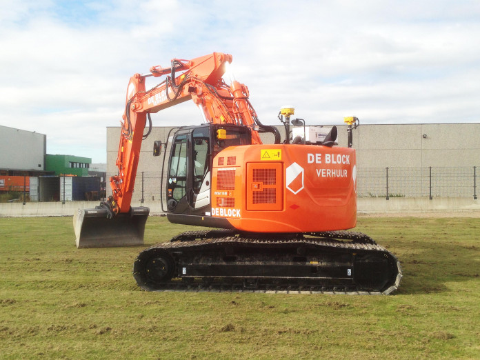 Hitachi ZX225US + GPS.jpg