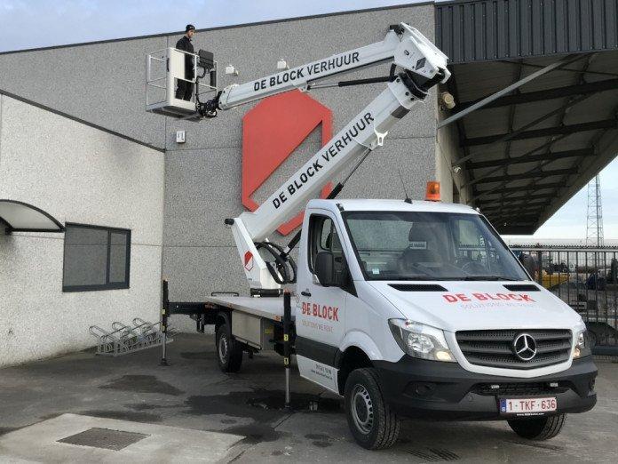 Hoogwerker op vrachtwagen wh 24m VTX-240 1.jpg