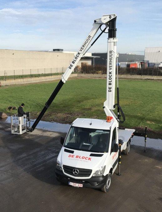 Hoogwerker op vrachtwagen wh 24m VTX-240 4.jpg