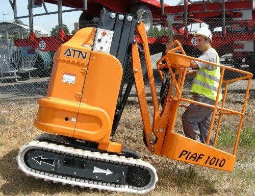 PIAF1010-520400-1.jpg