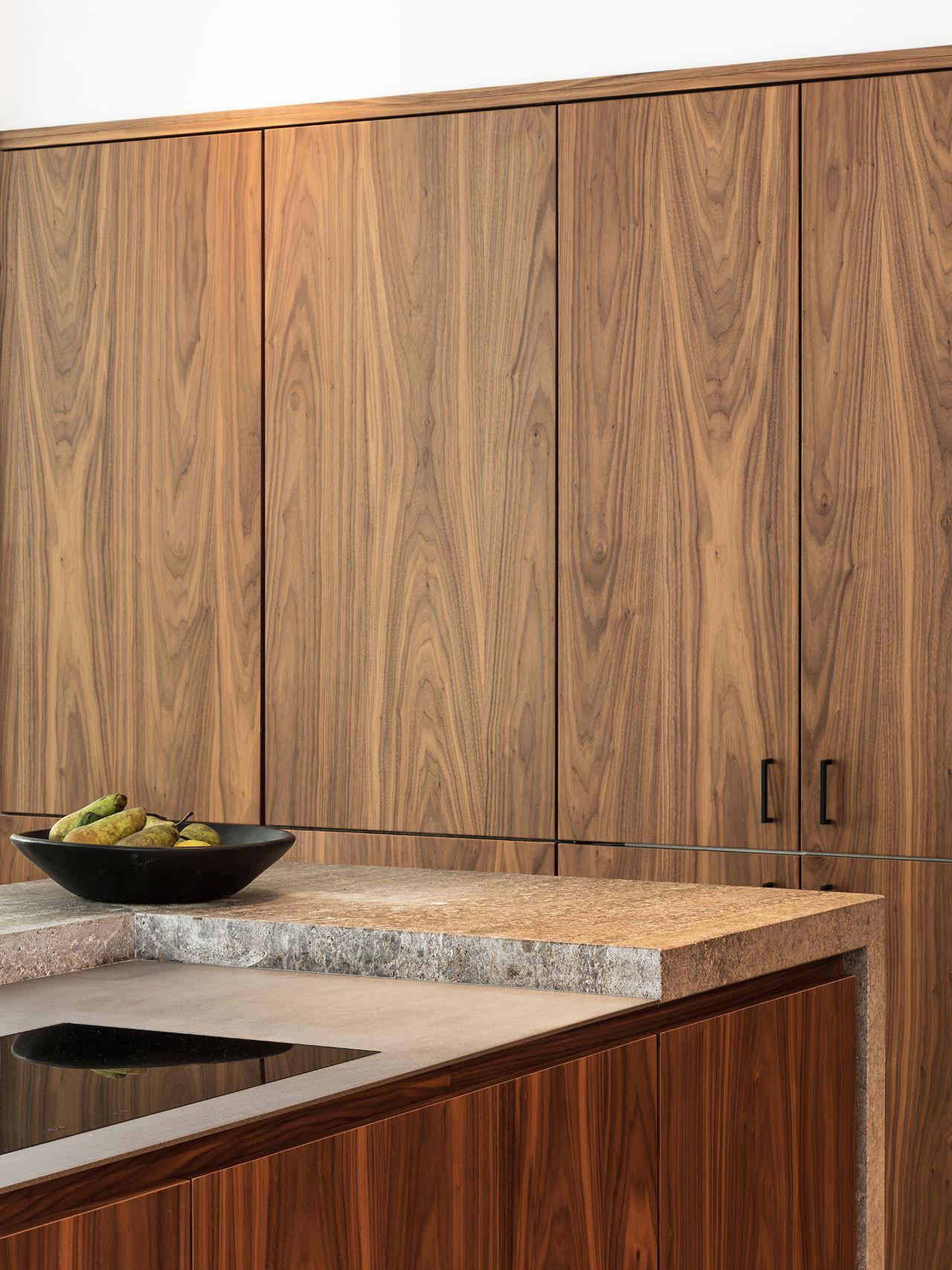 Dekeyzer-hedendaagse-keuken-notelaar-natuursteen-1.jpg