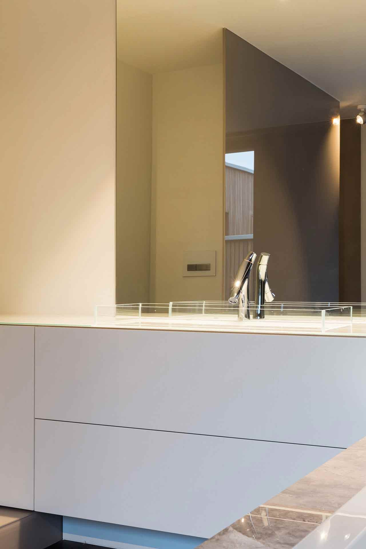 Totaalinrichting-badkamer-modern-SintMartenLatem-4.jpg