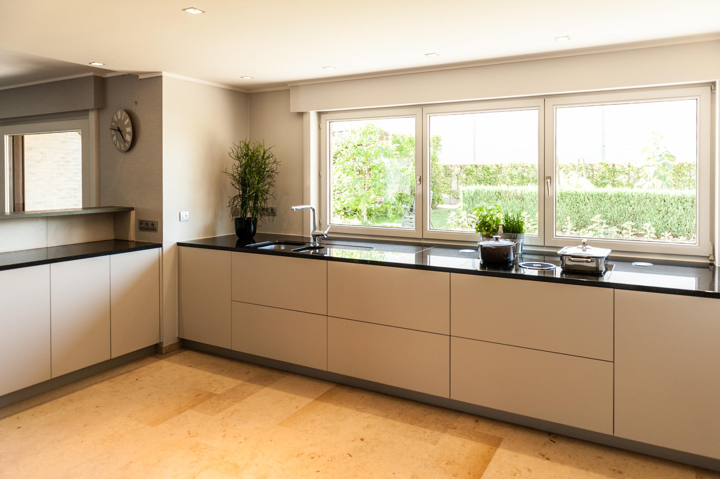 moderne keuken met inbouw tafelventilatie BORA BASIC.jpg