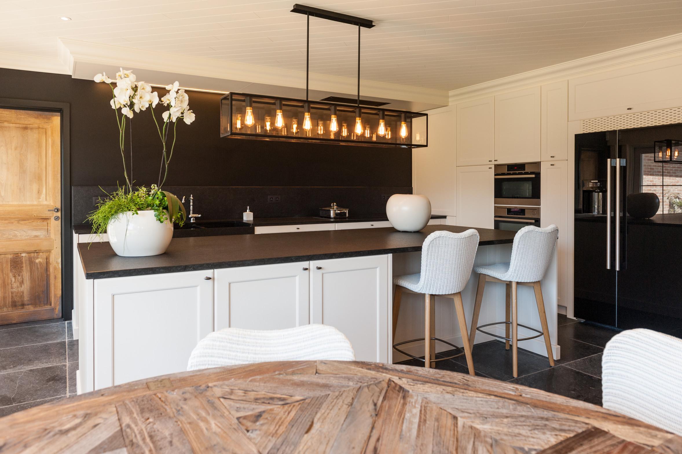 24 landelijke keuken houten deur lak graniet.jpg