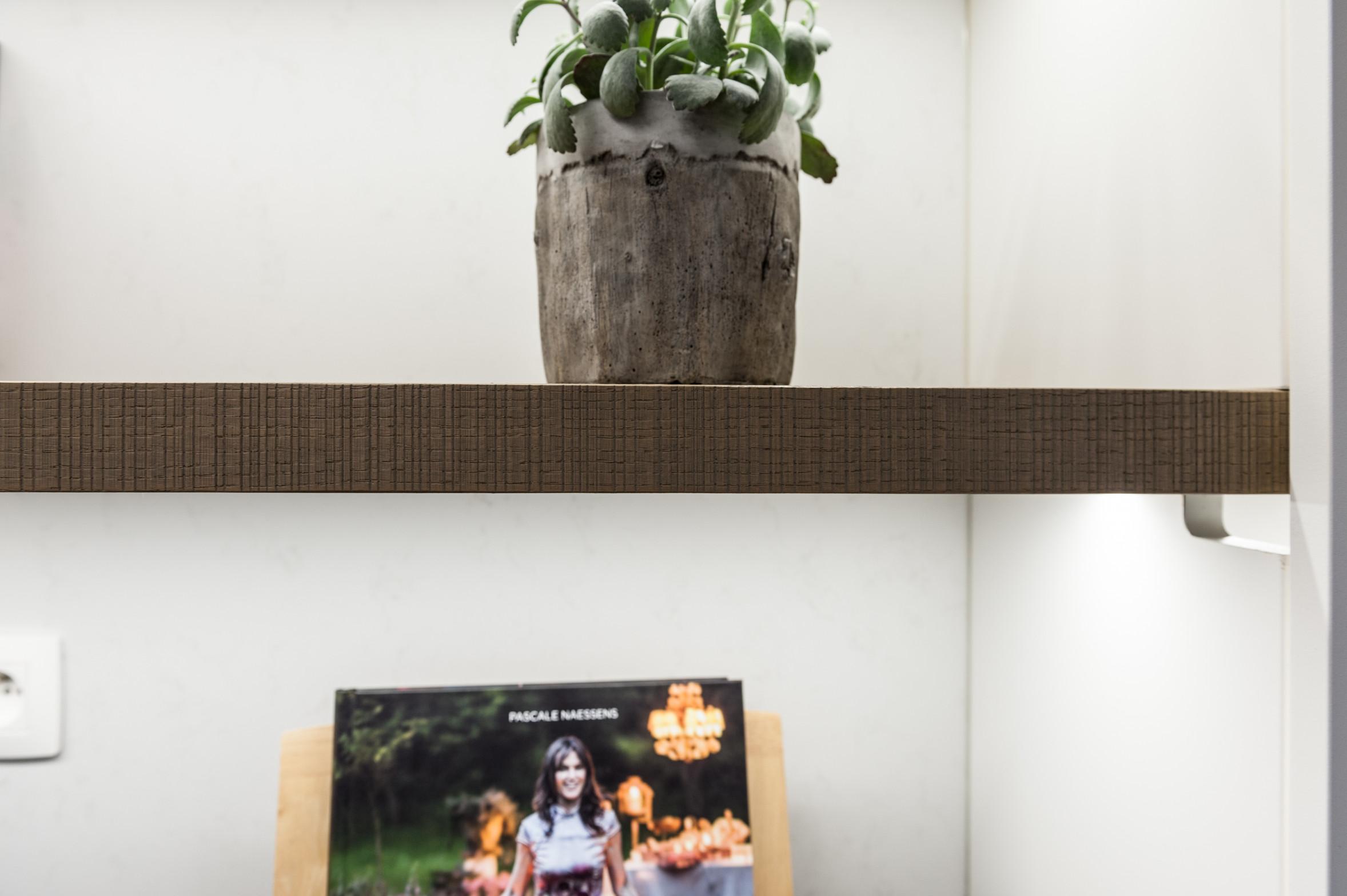 21 detail keuken plank hout.jpg