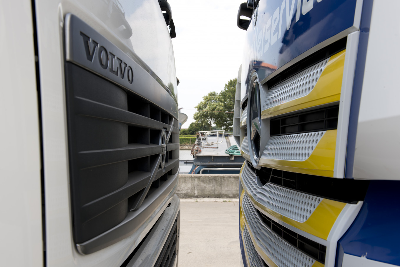Eeckhout-Cardoen-Garage-Camion-Man-Daf-Mercedes-Scania.jpg