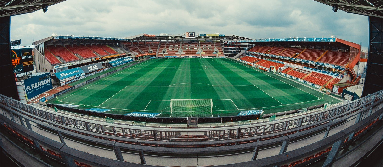 Banner_Regenboogstadion1.jpg