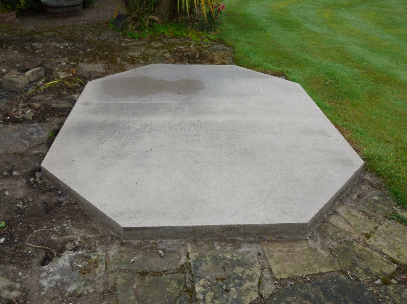 Ideal Round Greenhouse Concrete Pad.JPG