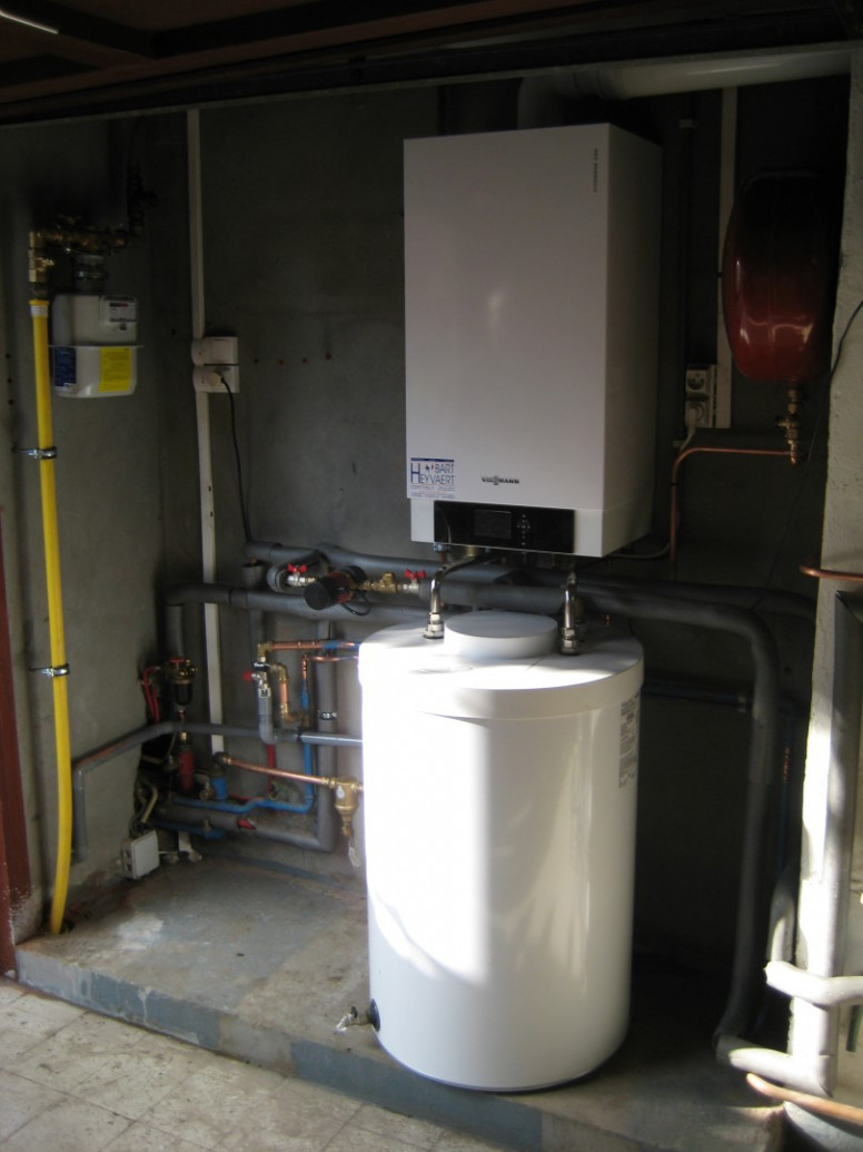 vitocell viessmann condensatie wandketel met aparte onderstaande boiler voor groot sanitair warm water comfort