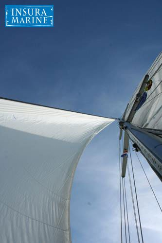 Sail mast