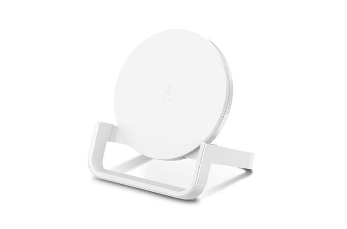 https://dpyxfisjd0mft.cloudfront.net/lab9-2/Producten/Belkin/Belkin-QI-Boostup-Wireless-Charging-Stand-10W-White.jpg?1539765979&w=681&h=449